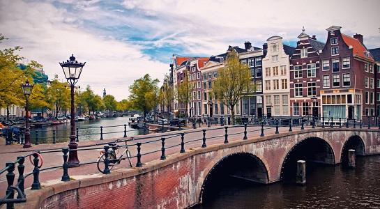 Netherlands_waterchannel_545_x_300
